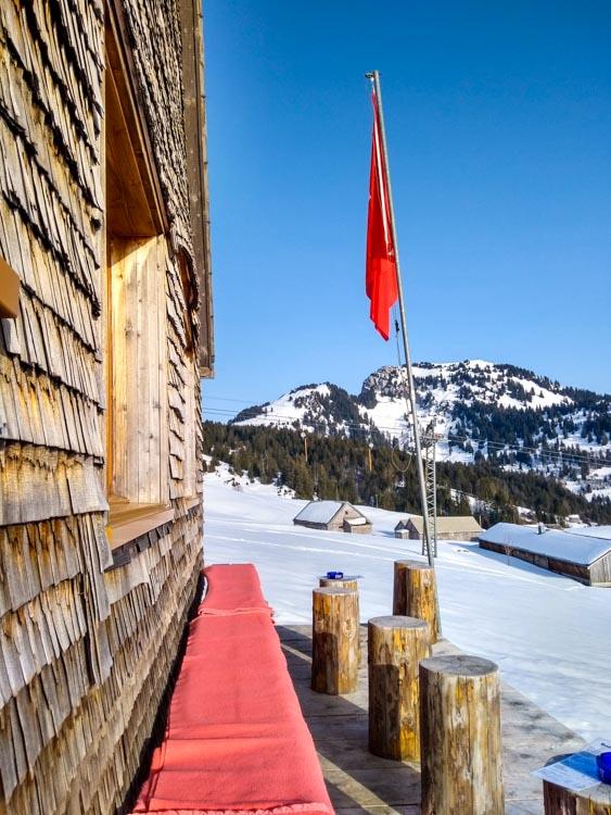 H0003 Amden Winter Hike with Snow Bar