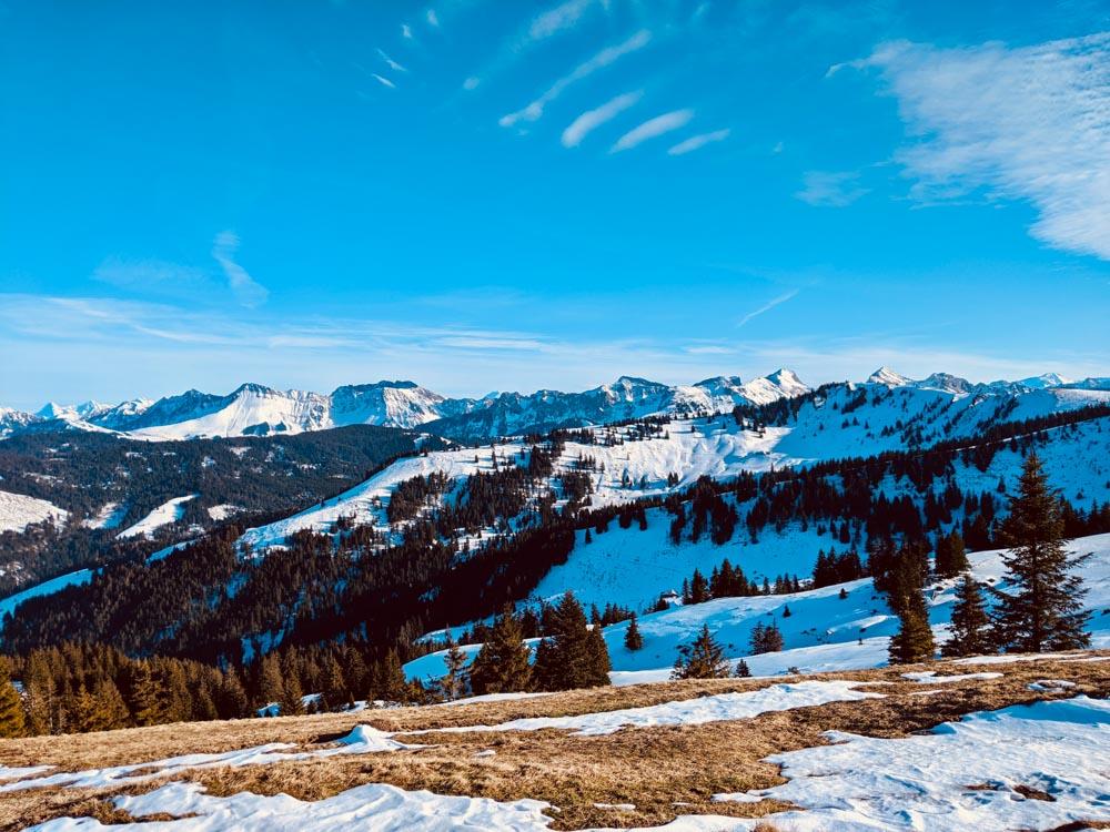 La Berra – Mountain Views & Building an Igloo