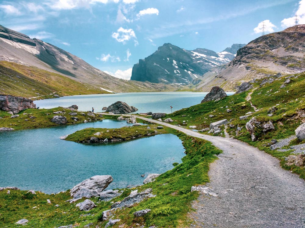 Gemmipass – Easy Hiking in the High Alps