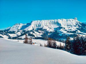 Marbachegg: winter hiking in the Bernese Oberland