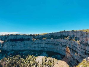Read more about the article Creux du Van – A semi-circular cliff in the Jura